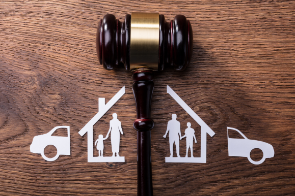 Family Law and De Facto Law